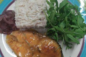 piatto con Salmone con miele di castagno e agrumi