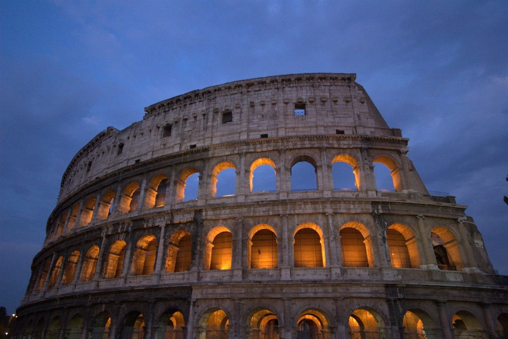 five best things to visit in rome: the colosseum