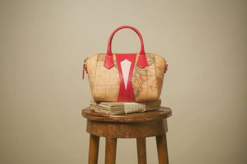 Alviero Martini, una borsa della linea 1°Classe
