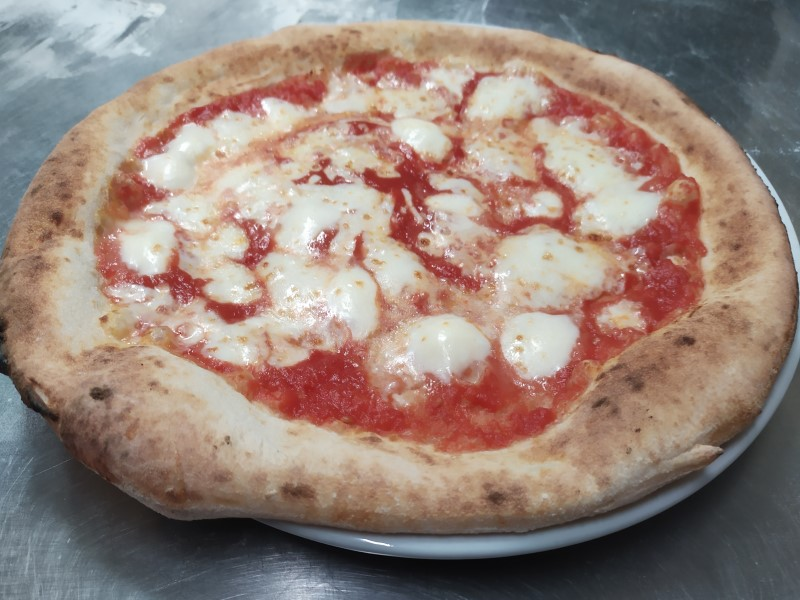 a beautiful pizza margherita