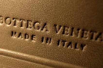 "scritta su cuoio "" bottega veneta made in Italy"""