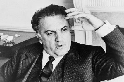 foto in bianco e nero di Federico Fellini