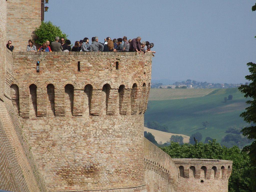 Veduta paesaggistica dal torrione murario di Corinaldo