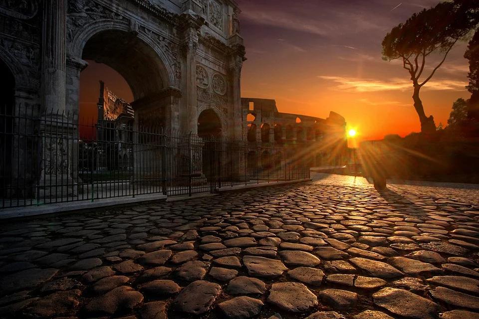la nuova italia - strada illuminata dall'alba