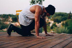 attività fisica e allenamento in casa