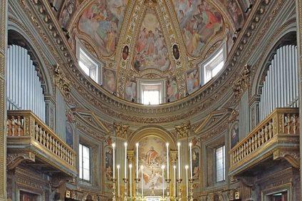 The miraculous crucifix epidemia - l'interno della chiesa