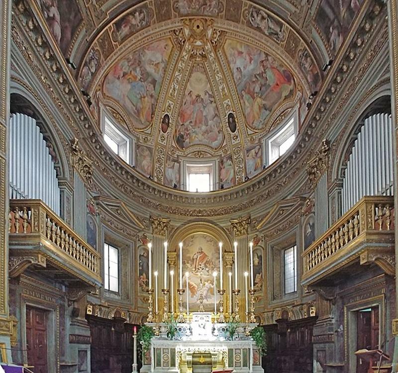 il crocefisso miracoloso di Roma - l'interno della chiesa