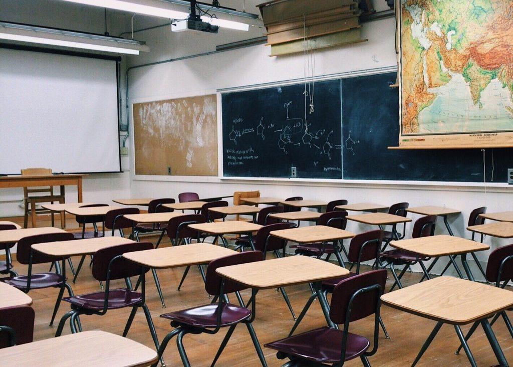 #lascuolanonsiferma - scuole chiuse
