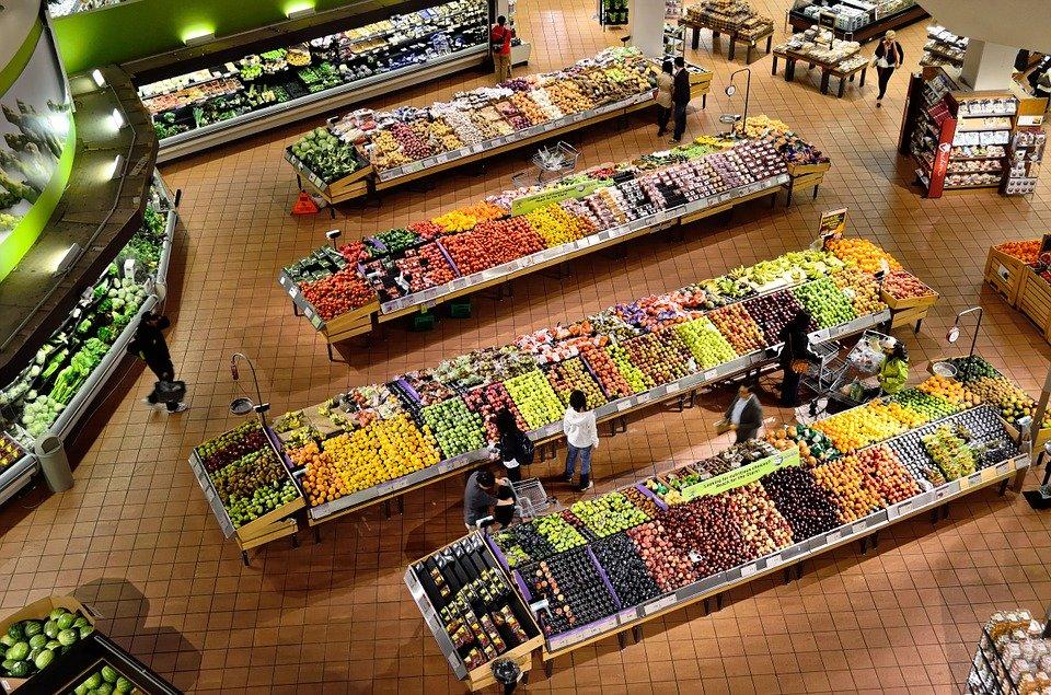 Il premier - interno di un supermercato