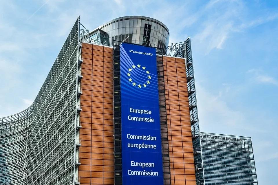 vaccini vietato uso astrazeneca - unione europea