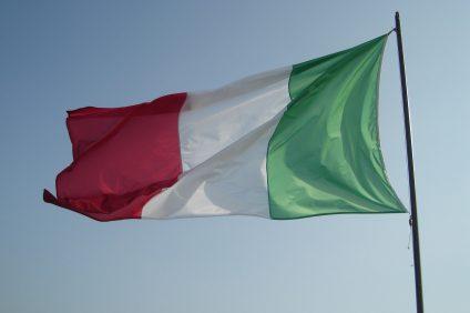 turandot - bandiera Italia controluce
