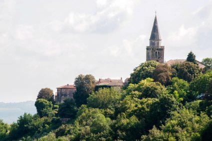 veduta di un borgo italiano