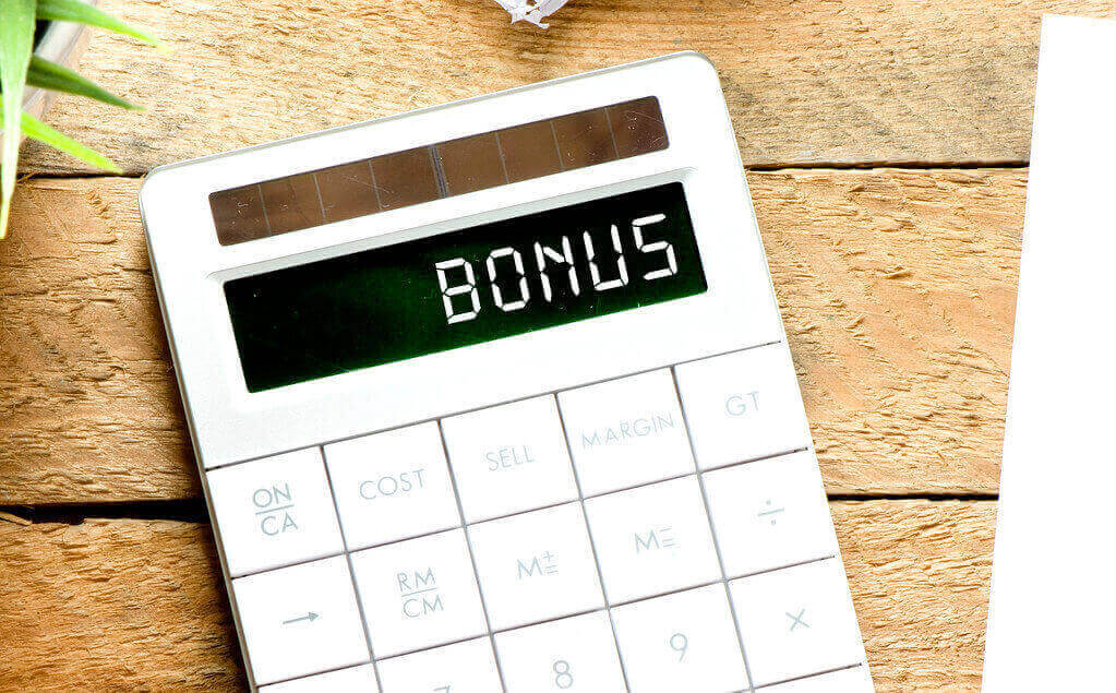 bonus - una calcolatrice con scritto bonus