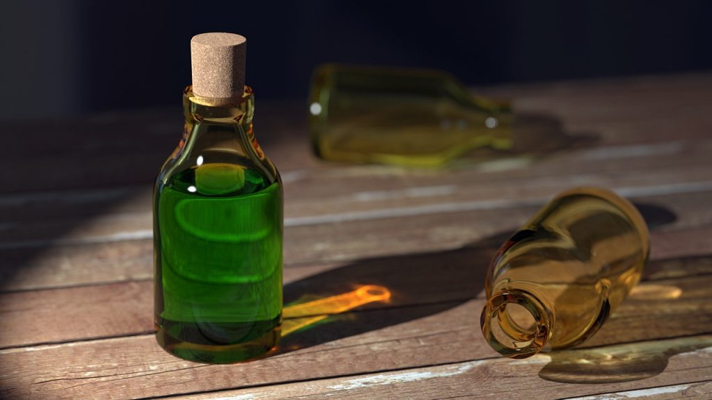 Pozione verde in bottiglia / green