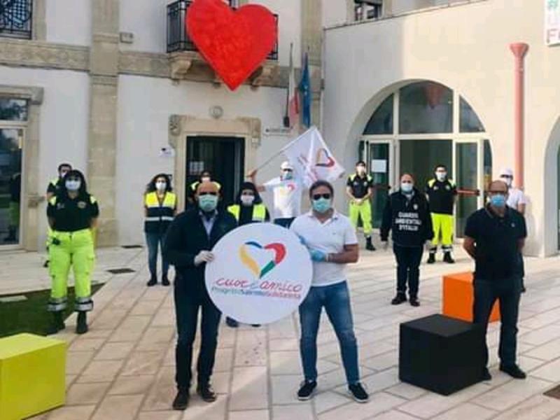 Cuore - Paolo Pagliaro con la Protezione Civile e alcuni volontari