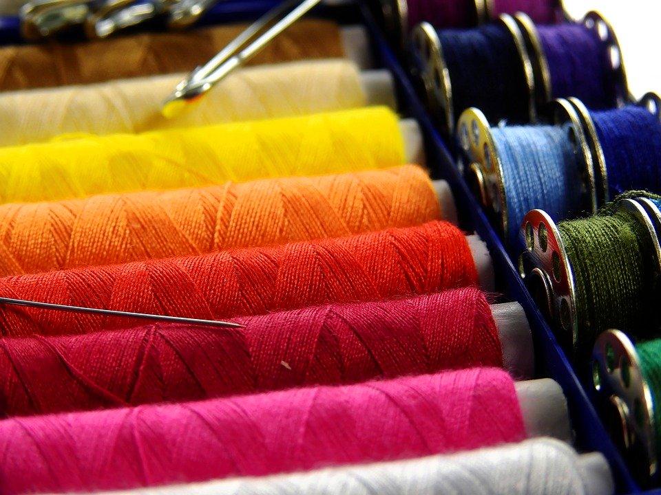 fatto in casa - spolette colorare - homemade coloured yarn
