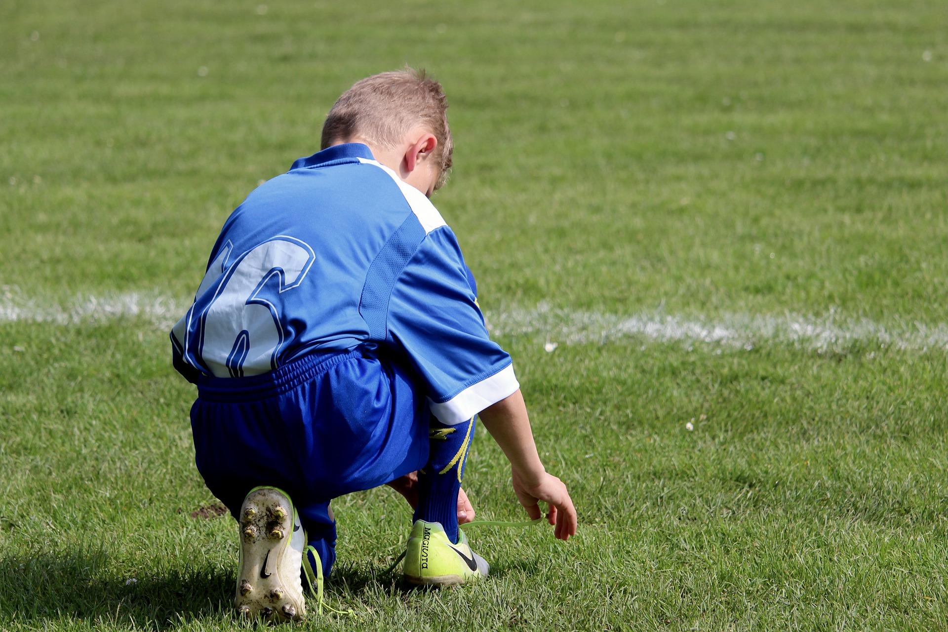 claudio ranieri - un bambino nel campo da calcio