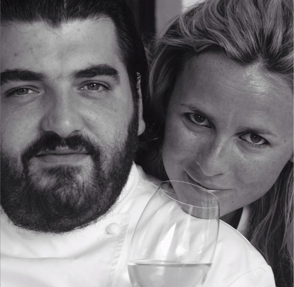 ristoratori - foto in bianco e nero cannavacciuolo con la moglie