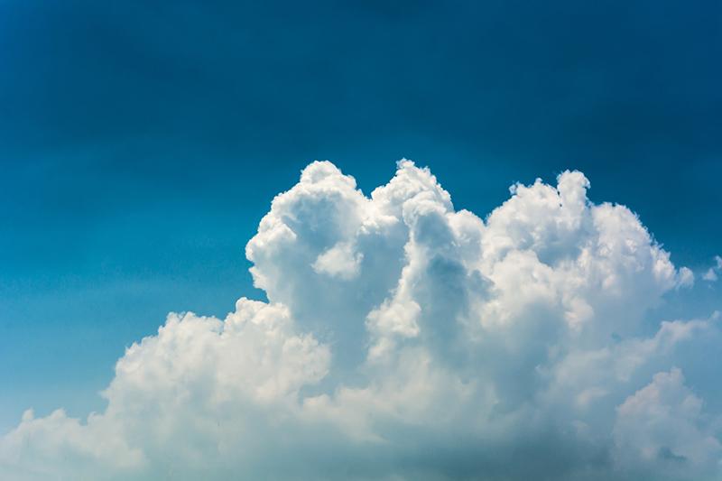 artisti - cielo blu con nuvole