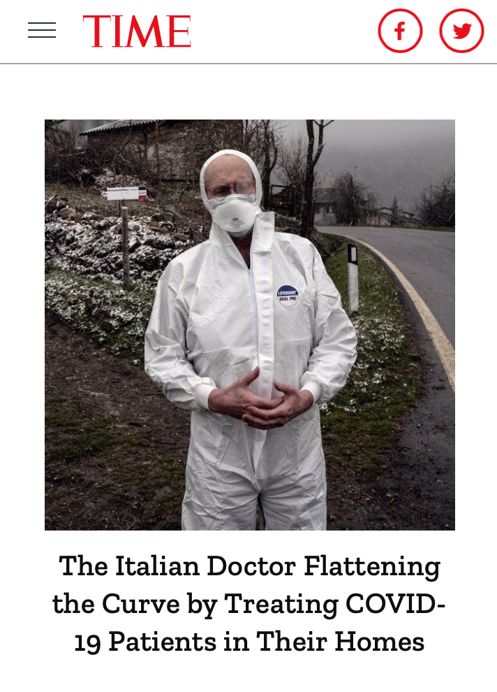 domicilio - il dottor Cavanna con tuta e mascherina