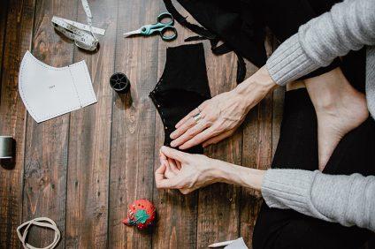fatto in casa - una sarta che imbandiscono un tessuto
