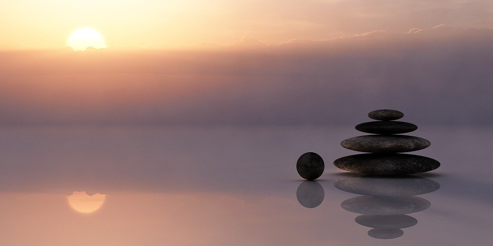 mindfulness - tanti sassi uno sopra all'altro