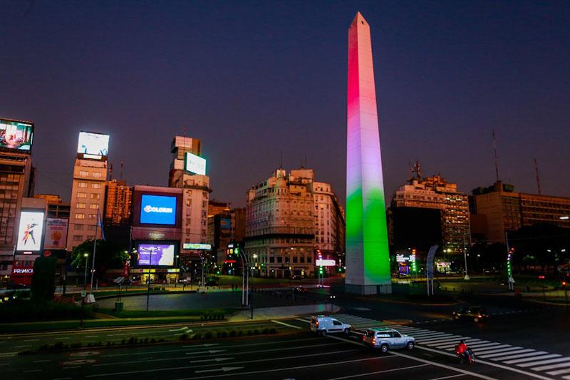 Italia - obelisco colorato di buenos aires