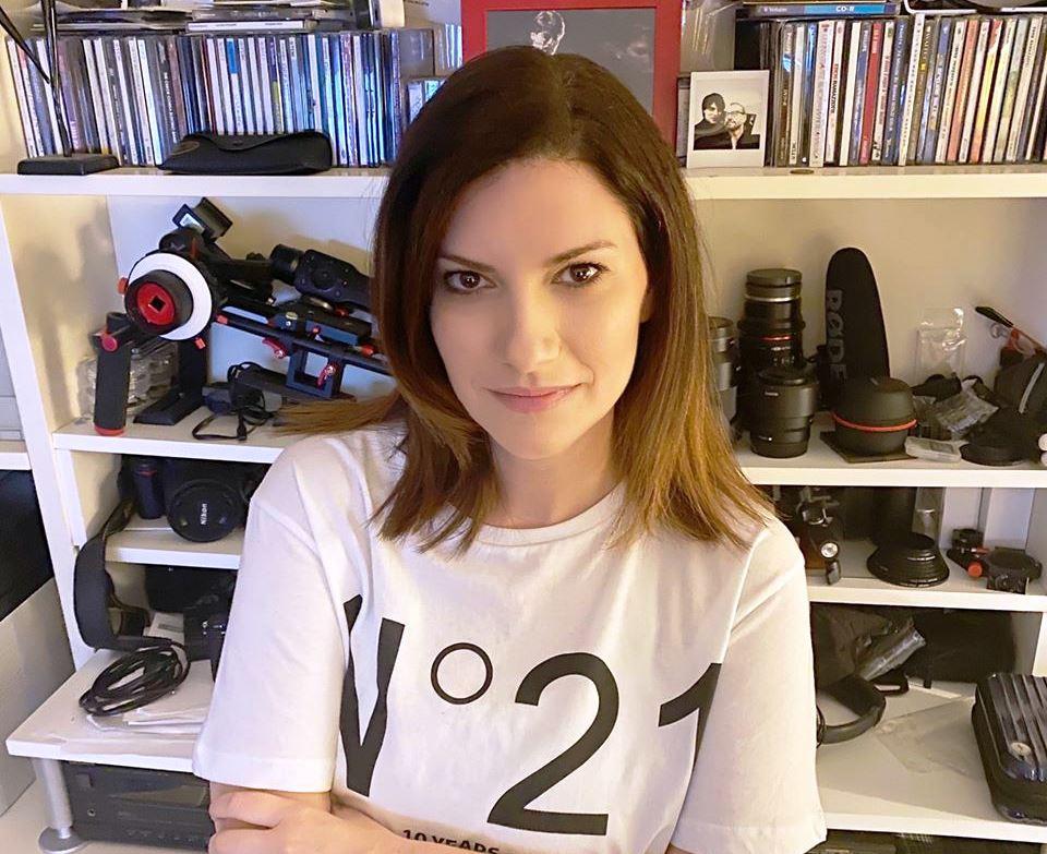 Laura Pausini a casa durante la quarantena