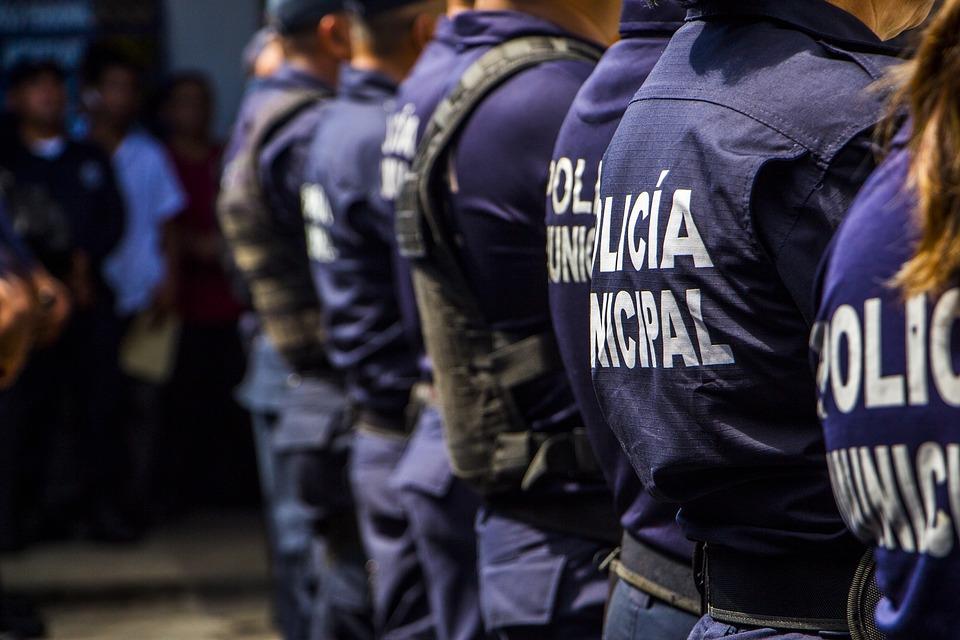Eroi, le forse dell'ordine che hanno lavorato durante l'emergenza