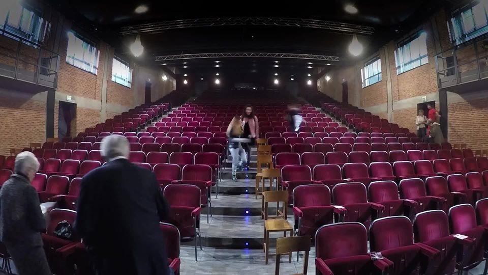 Il teatro Parenti di Milano