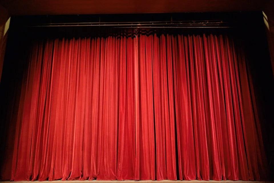La scena del teatro, come il Parenti