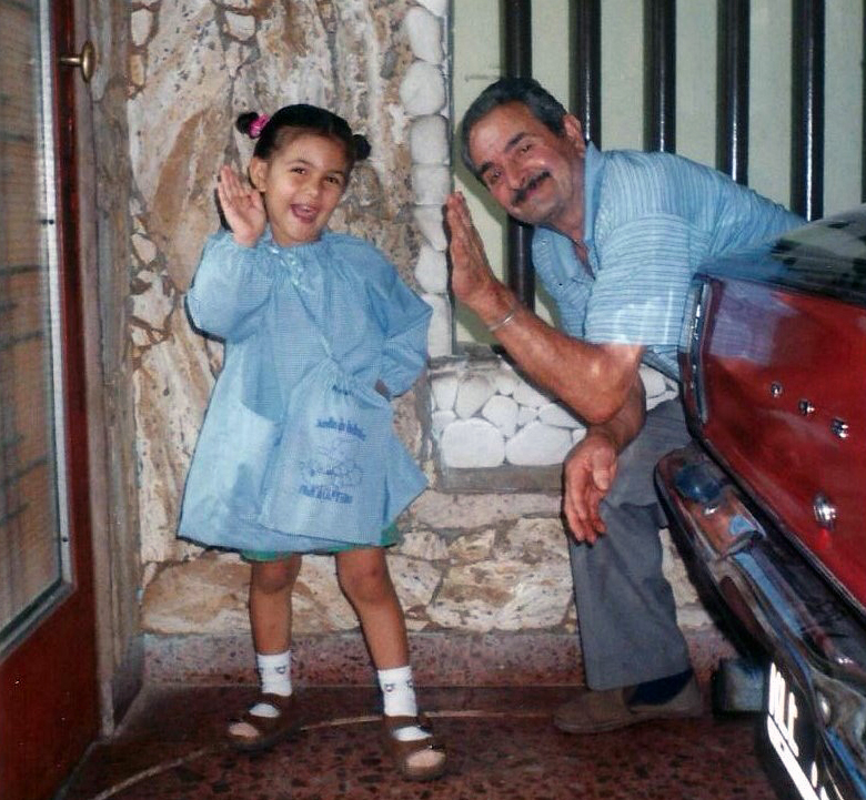 Confetti - Amira celeste Giudice da bambina con il nonno