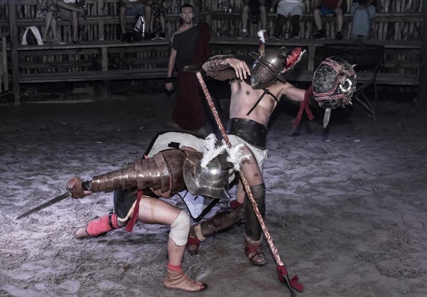 In scena al Rome World le battaglie dei gladiatori - Gladiator battles on stage at Rome World