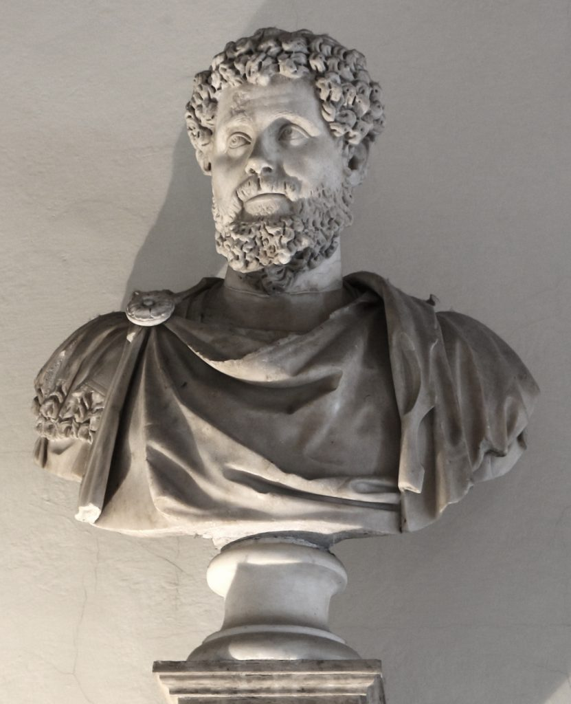 gli italiani non sono razzisti - statua di Settimio Severo, imperatore romano - the Italians are not racists - statue of Septimius Severus, Roman emperor