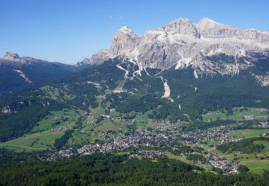 plastica - montagna di Cortina d'Ampezzo