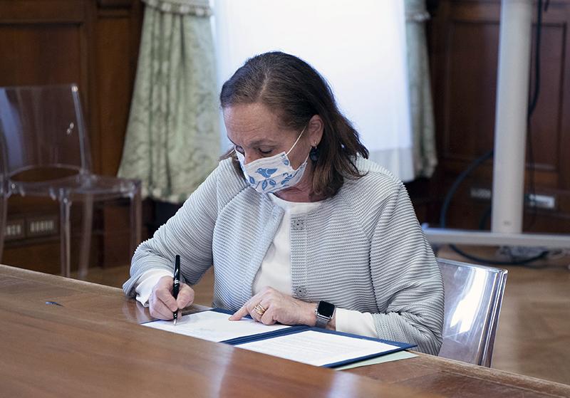 Immobili confiscati - Il ministro dell'interno Luciana Lamorgese