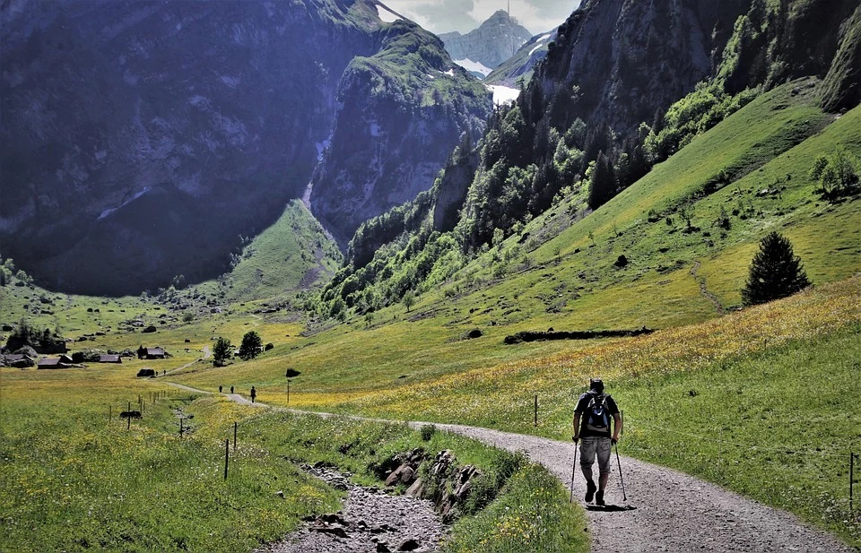 Un cammino tra i sentieri italiani - A path through the Italian paths italian way of saint james