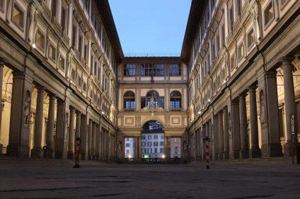 La galleria degli Uffizi a Firenze