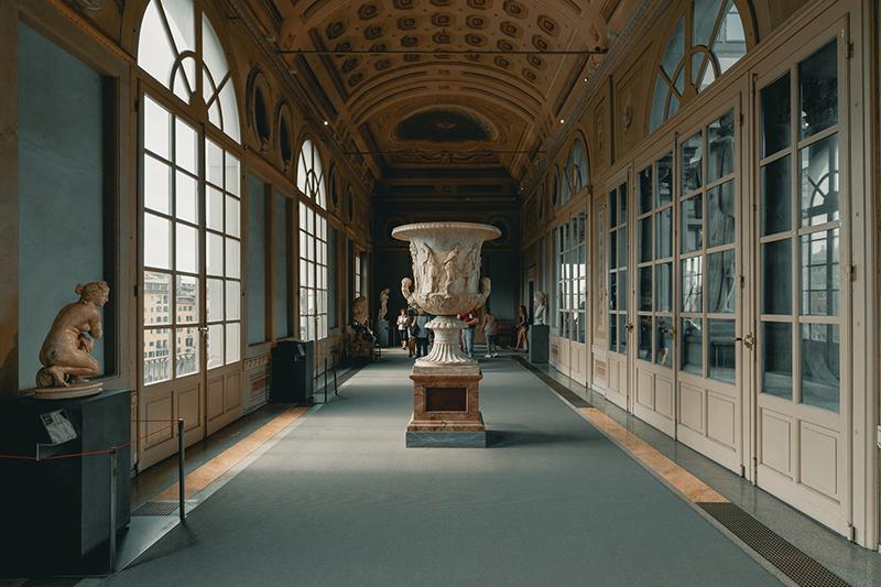 interno degli Uffizi - interior