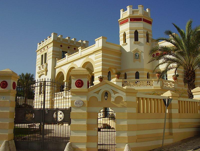 A Santa Cesarea le ville il stile moresco