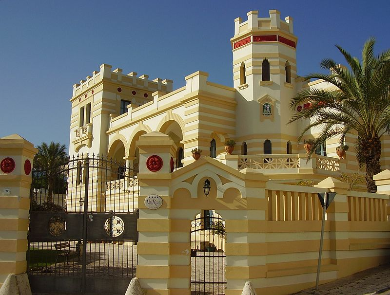 A Santa Cesarea le ville il stile moresco - In Santa Cesarea the villas the Moorish style