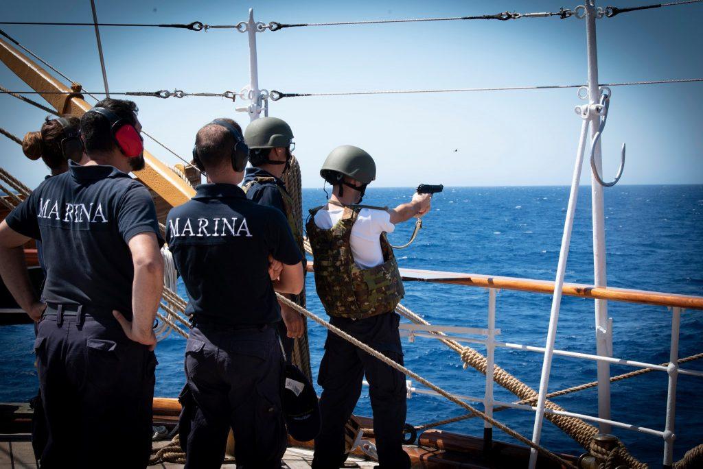 L' Amerigo Vespucci, addestramenti sulla nave
