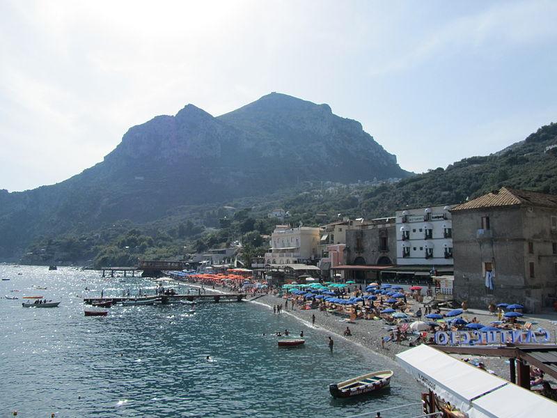 Alcune spiagge del Litorale sorrentino - Some beaches of the Sorrento coast