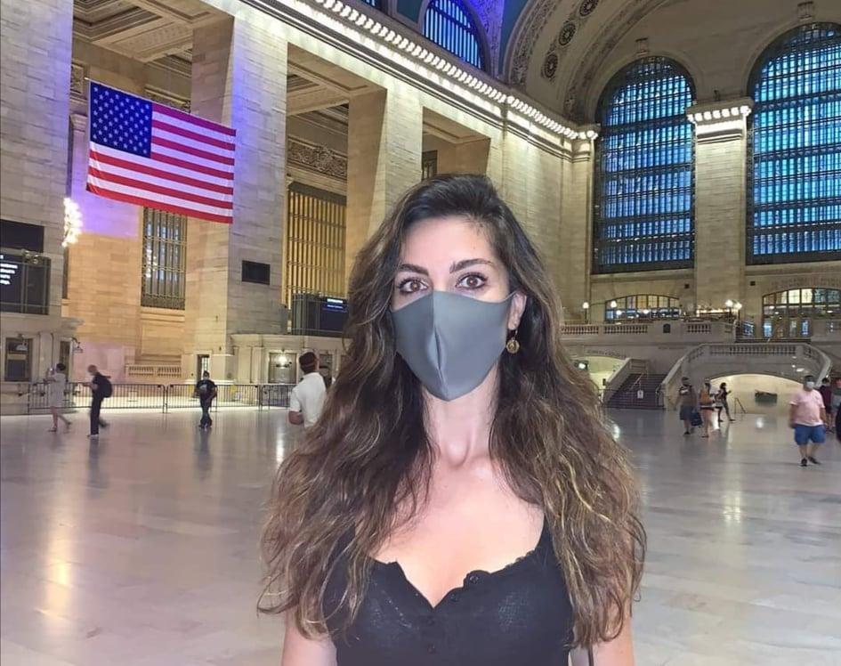 Eleonora Pieroni con la mascherina, a New york - wearing mask in New York
