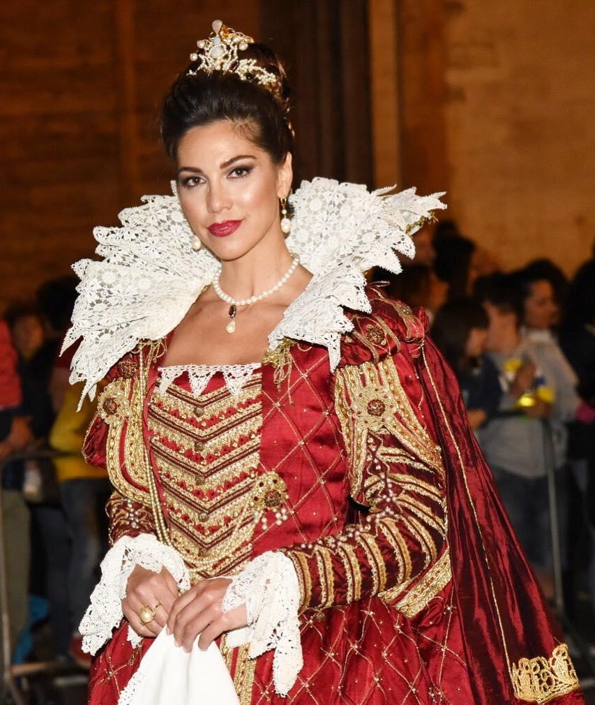 la modella in costume, a Foligno / the model in costume, in Foligno