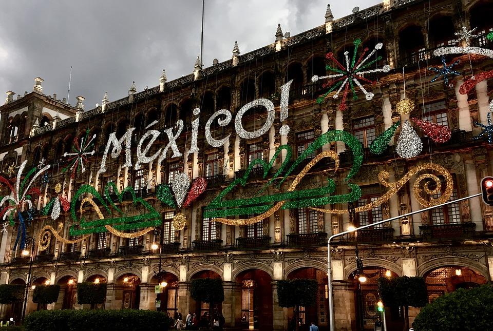 palazzo con scritta mexico