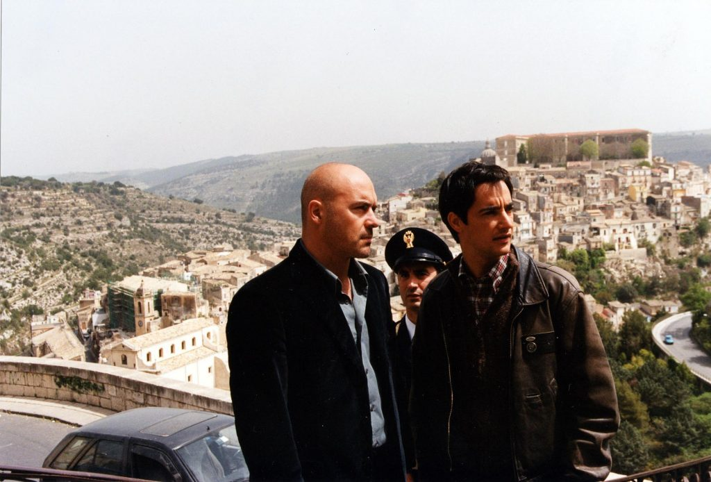 Camilleri - scena del film con Montalbano e Fazio  - Camilleri - scene from the film with Montalbano and Fazio