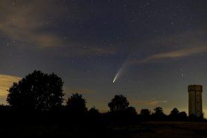 La cometa Neowise sui cieli delle città italiane
