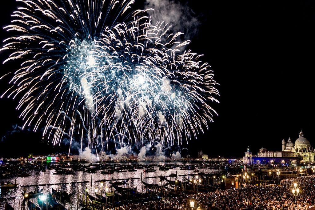 redentore a venezia - i fuochi in Bacino San Marco / redeemer in venice - fireworks in San Marco basin