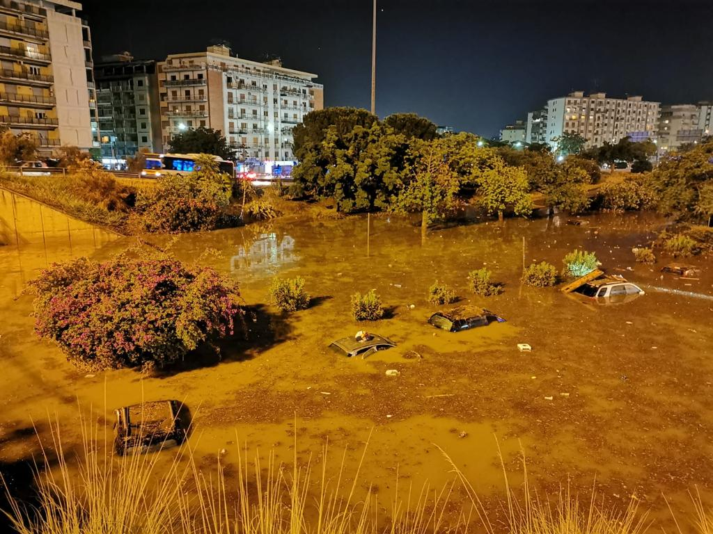 nubifragio a Palermo - zona allagata - storm in Palermo - flooded area -